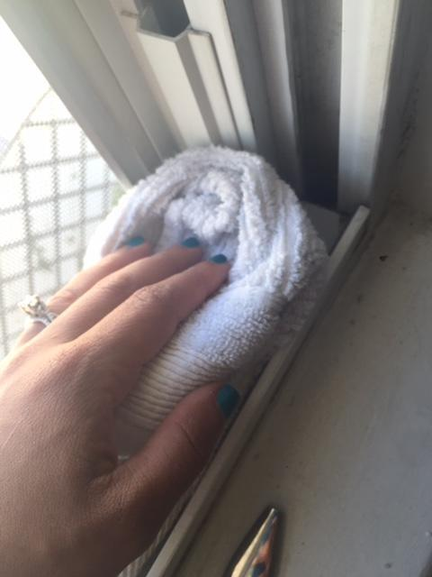 Limpiar rieles ventanas sin quimicos