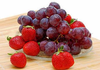 Batido antioxidante de fresas y uvas